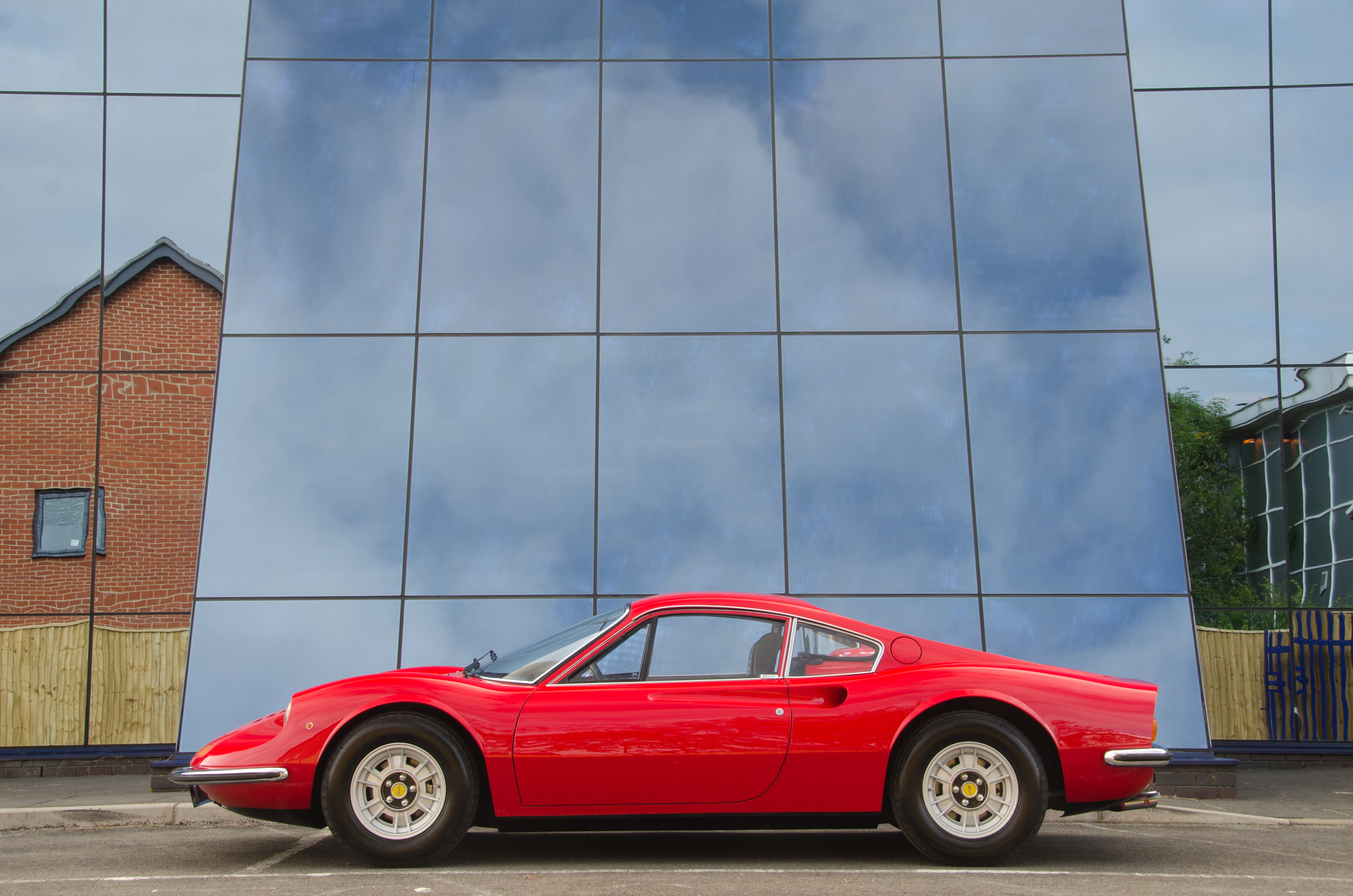 Sales | Classic Cars for sale Hampshire & Surrey | Universal Classic ...